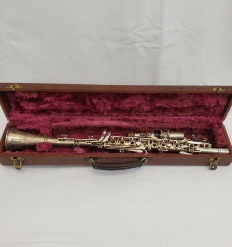 Vintage OLD Holton Collegiate Elkhorn Wis. Metal Clarinet with Case