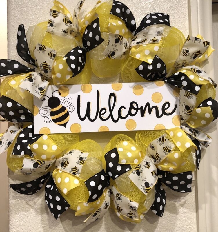 """FARMHOUSE BUMBLE BEE 🐝 YEAR ROUND Welcome Wreath YELLOW Deco Mesh 24"""" x 24"""""""