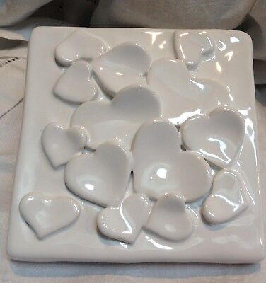 Vietri New White Ivory Hearts Trinket Jewelry Box Top Covered With Hearts.