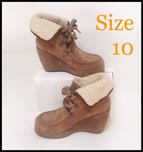 NEW ROCKET DOG ANKLE  SUEDE BOOTS WITH FUR TRIM