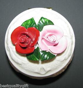 BEAUTIFUL-WHITE-CERAMIC-TRINKET-MOMENTO-BOX-w-HANDPAINTED-RED-PINK-ROSES-NEW
