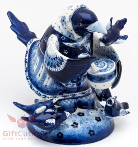 Russian Gzhel porcelain Fairy Tale Сорока Ворона Megpie Raven feeding offsprings
