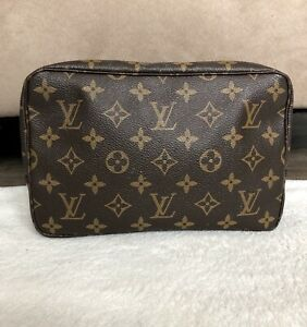 Louis Vuitton Trousse 23 Pouch