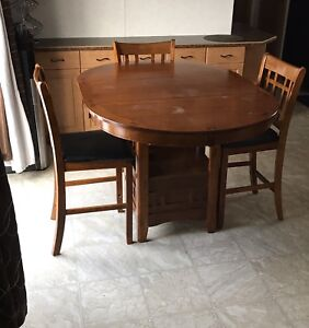 5 piece Counter Height Dining Set (FREE)