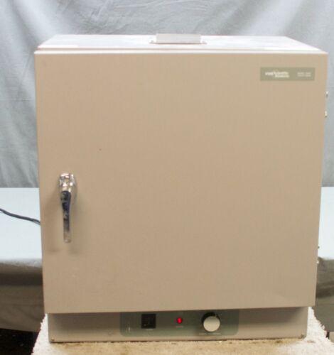 VWR 1305U Gravity Oven   (FA1)