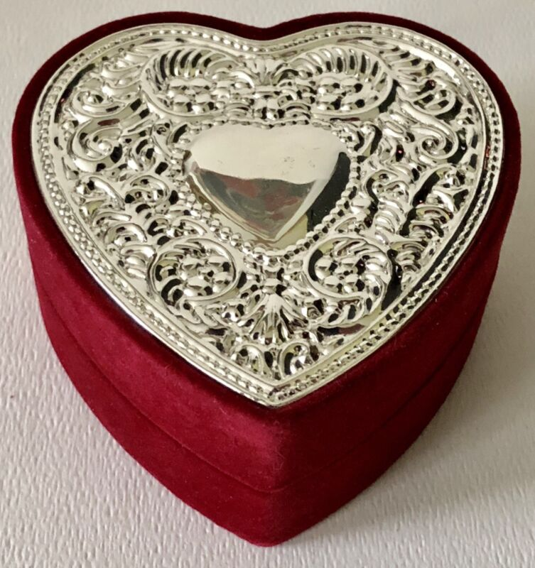 Red Velvet Ornate Rococo Scrolls Flower Silver Top Valentines Day Heart Gift Box