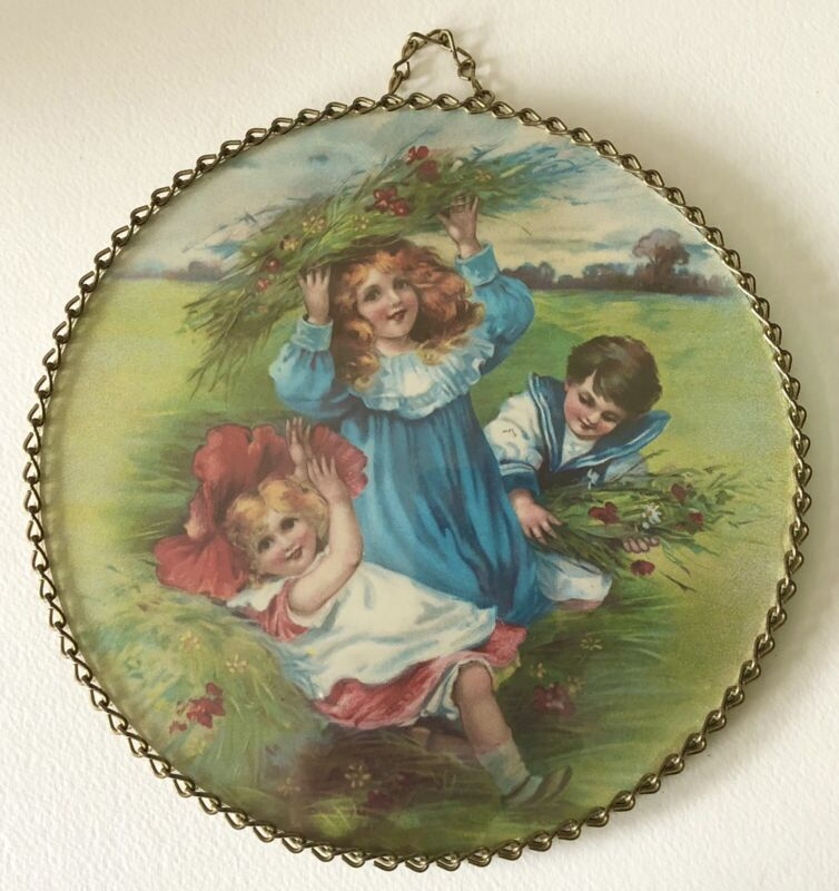 Vintage Flue Cover Victorian Style FLOWER CHILDREN PLAYING Glass Chain Border