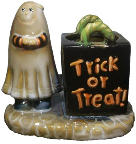 Yankee Candle Ghost Trick or Treat w/ Frightful Fragrances Wicked Small Candle