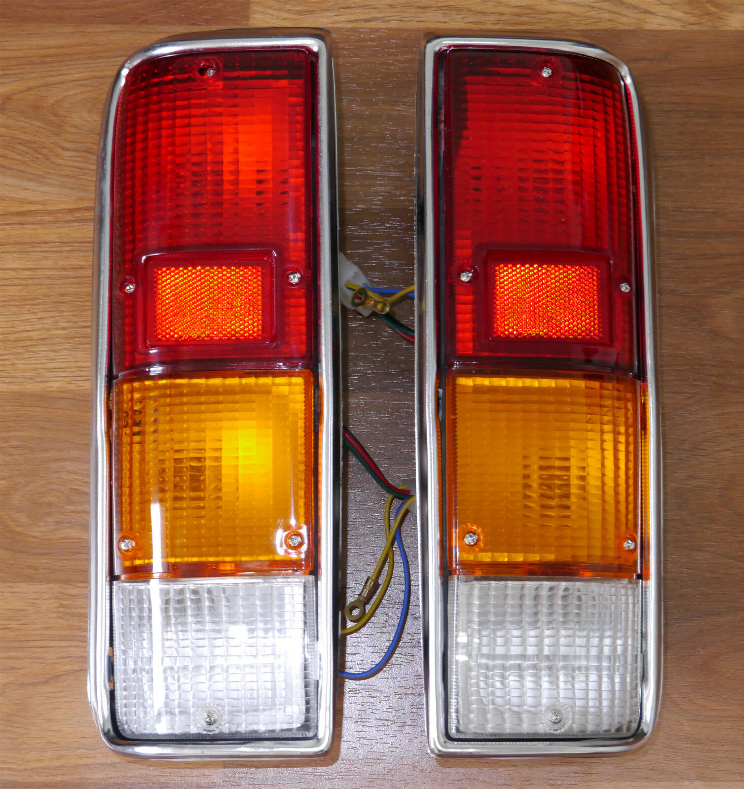 1 pair isuzu kb 21 chevrolet luv tail light lamp year. Black Bedroom Furniture Sets. Home Design Ideas