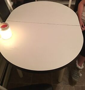 Kitchen table set for sale awesome shape