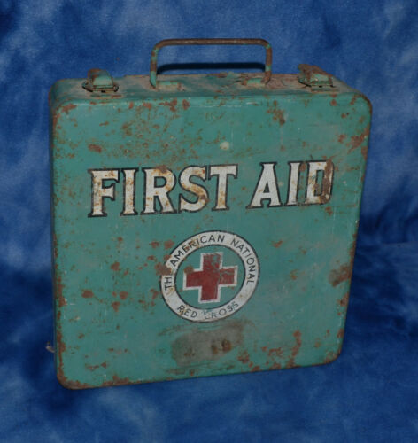 THE AMERICAN NATIONAL RED CROSS VINTAGE FIRST AID KIT WALL MOUNTABLE W/ CONTENTS