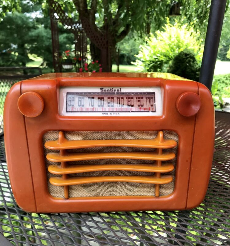 VTG SENTINAL RADIO CATALIN BAKELITE BUTTERSCOTCH 1940
