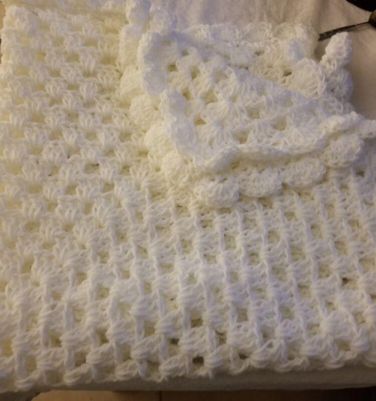 BEAUTIFUL NEW HANDMADE CROCHET BABY BLANKET/AFGHAN SOLID WHITE
