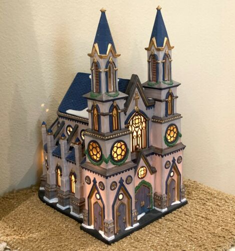 1998 DEPT 56 Christmas in the City OLD TRINITY CHURCH #58940 w/Cord TESTED NEW
