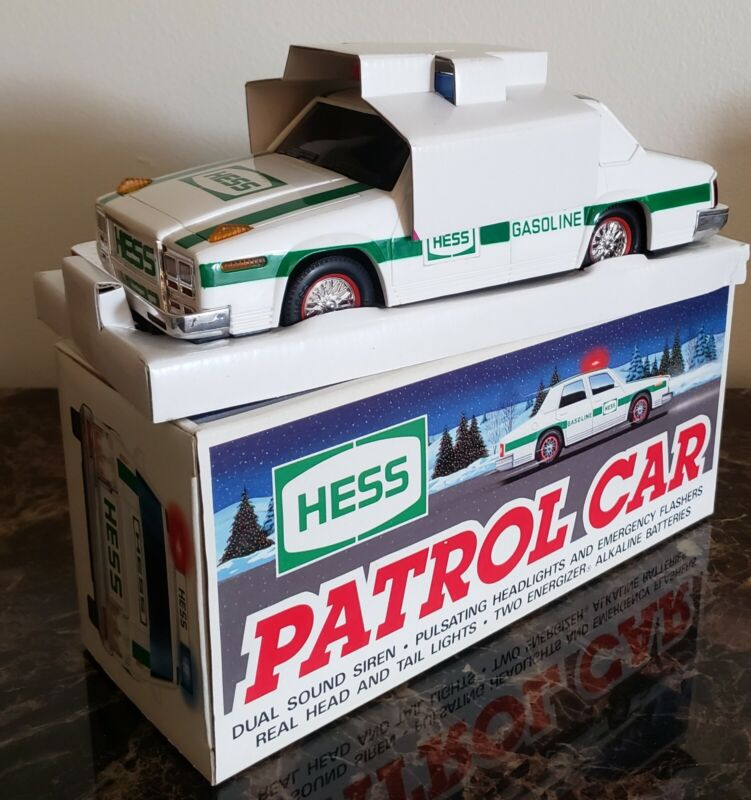NEW HESS TOY PATROL CAR IN ORIGINAL BOX POLICE VEHICLE 1993 REAL LIGHTS SIREN
