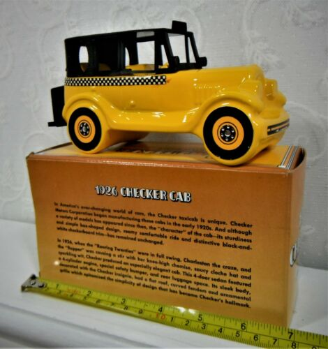 VINTAGE AVON CHECKER CAB 1926 EVEREST AFTER SHAVE DECANTER (FULL) WITH BOX