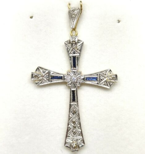 Art Decó 18k Gold Pendant Cross With Blue Sapphire and Diamond