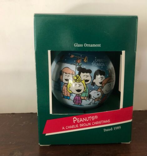 Vintage Hallmark Peanuts 1989 Glass Christmas Ornament Charlie Brown Christmas