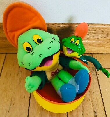 "Vintage Kellogg's Sugar Snacks Dig 'Em Toddler Bowl & 8"" Plush Frog ~ Lot of 2"