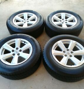 ORIGINAL TOYOTA ALLOY RIMS 17 INCH AND 245/65/17 TYRES