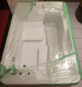 Maxx Air Jet Jacuzzi Bathtub Seats 4-6 people,