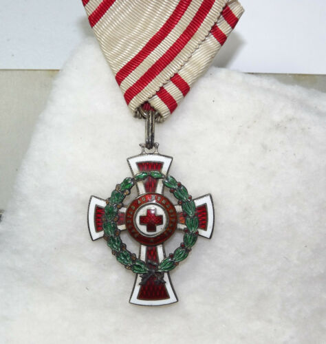 Austria Empire Honor Decoration of the Red Cross, Second Class War Service 1917