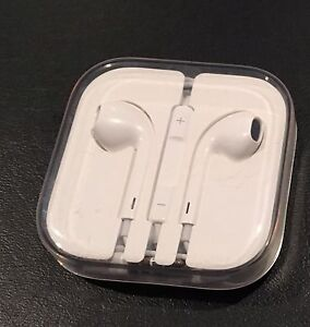 EarPods (unopened)