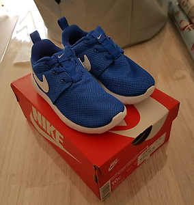 Brand new - Kids Nike Roshie One shoes. Size 10 / Eur 27 Fairy Meadow Wollongong Area Preview