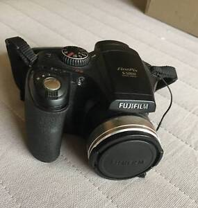 Fujifilm FinePix S5800 Digital Camera