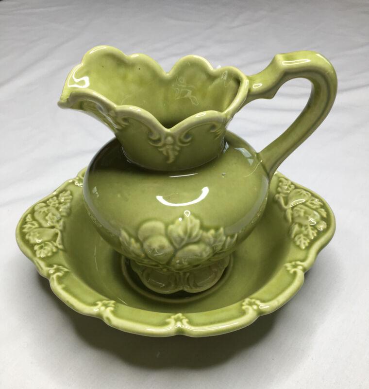 Camark Bowl and Pitcher Set Fruit Leaf Chartreuse