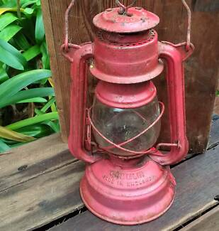 Vintage GREMLIN Kerosene Lantern, England – Outdoor Antique Featu