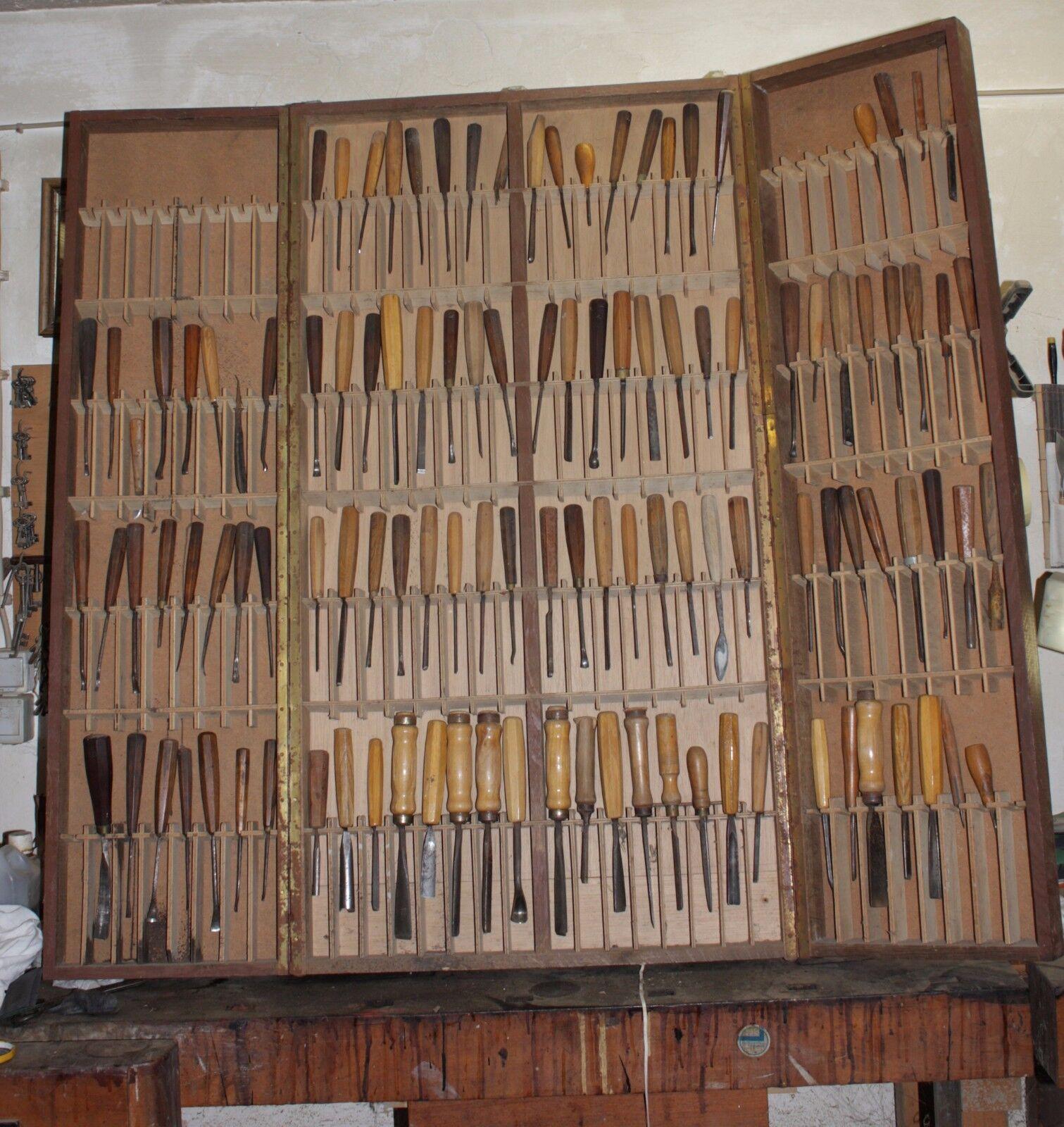Stechbeitel, ca.110 SchreinerTischler Schnitz Werkzeuge im Holzschrank