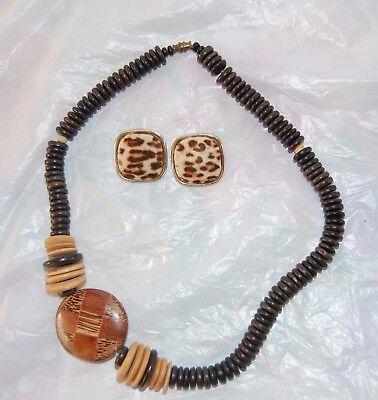 Vntg Chunky Wood Bead Necklace + Earrings Safari Themed w/Large Polished Disc  - Safari Theme Dress Up