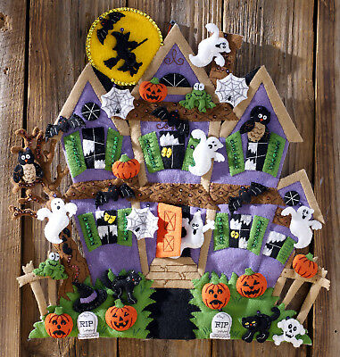 Bucilla Haunted House ~ Felt Halloween Wall Hanging Kit #86560 Witch Ghosts Bats (Halloween Felt Crafts)