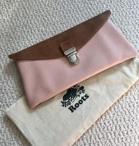 New Roots Leather Large Wallet