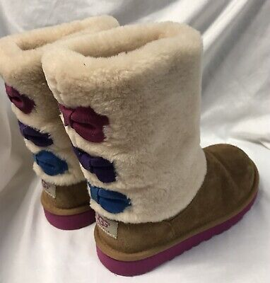 Ugg Suede Girls Brown boots Bows Size 1 VGUC!