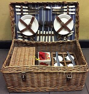 New - Luxury 6 person set picnic basket complete with picnic rug Melbourne CBD Melbourne City Preview