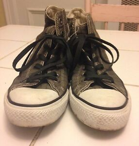 High-cut Converse size 9.5 ladies Peterborough Peterborough Area image 3