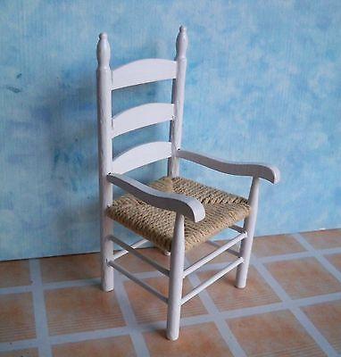 1:12 - Hübscher weißer Landhaus Küchenstuhl mit Armlehne - Puppenhaus Miniatur
