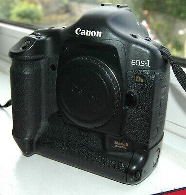 Canon EOS 1Ds Mark II full frame professional 16.7MP DSLR camera body