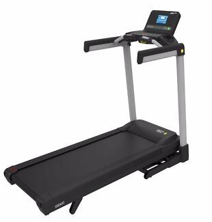 NEW Commercial 3.25CHP Treadmill TR4000i Strength Master, Wide Be