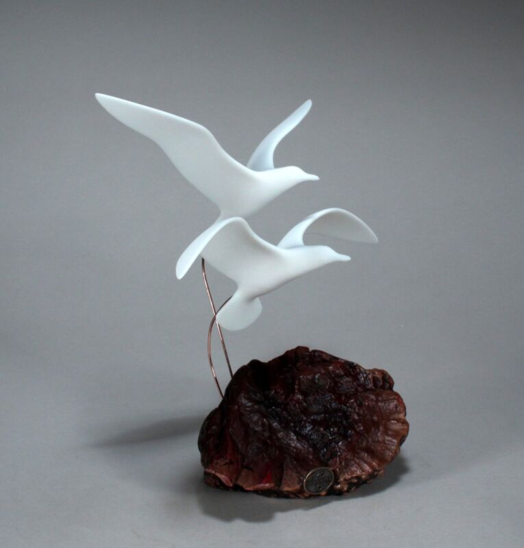 SEAGULL Duo Sculpture New direct from JOHN PERRY 10in tall on Burlwood base