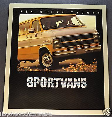 1969 Chevrolet Van /& Sportvan Truck Dealer Sales Brochure