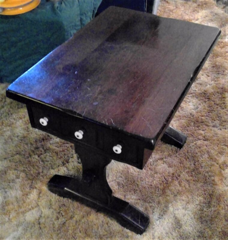 Early American Style Trestle End Table, Vintage 1970's