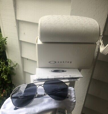 New Oakley Caveat OO4054-02 Aviator Polished Chrome W/ Grey Lenses 60mm