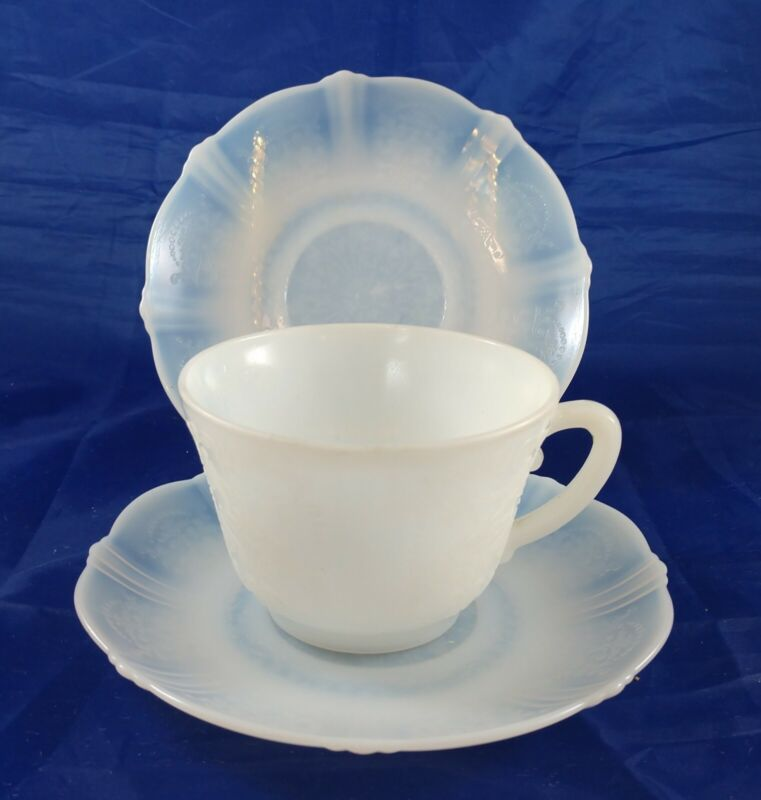 Lot of 6 Macbeth Evans White Monax Petalware 2 Cups and 4 Saucers Vintage