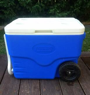 Coleman 38L Wheeled Chest Hard Cooler