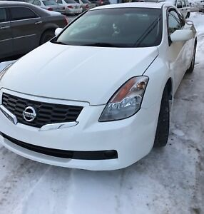Nissan Altima 2.5 (automatique, fog lights, cuir, et ..)