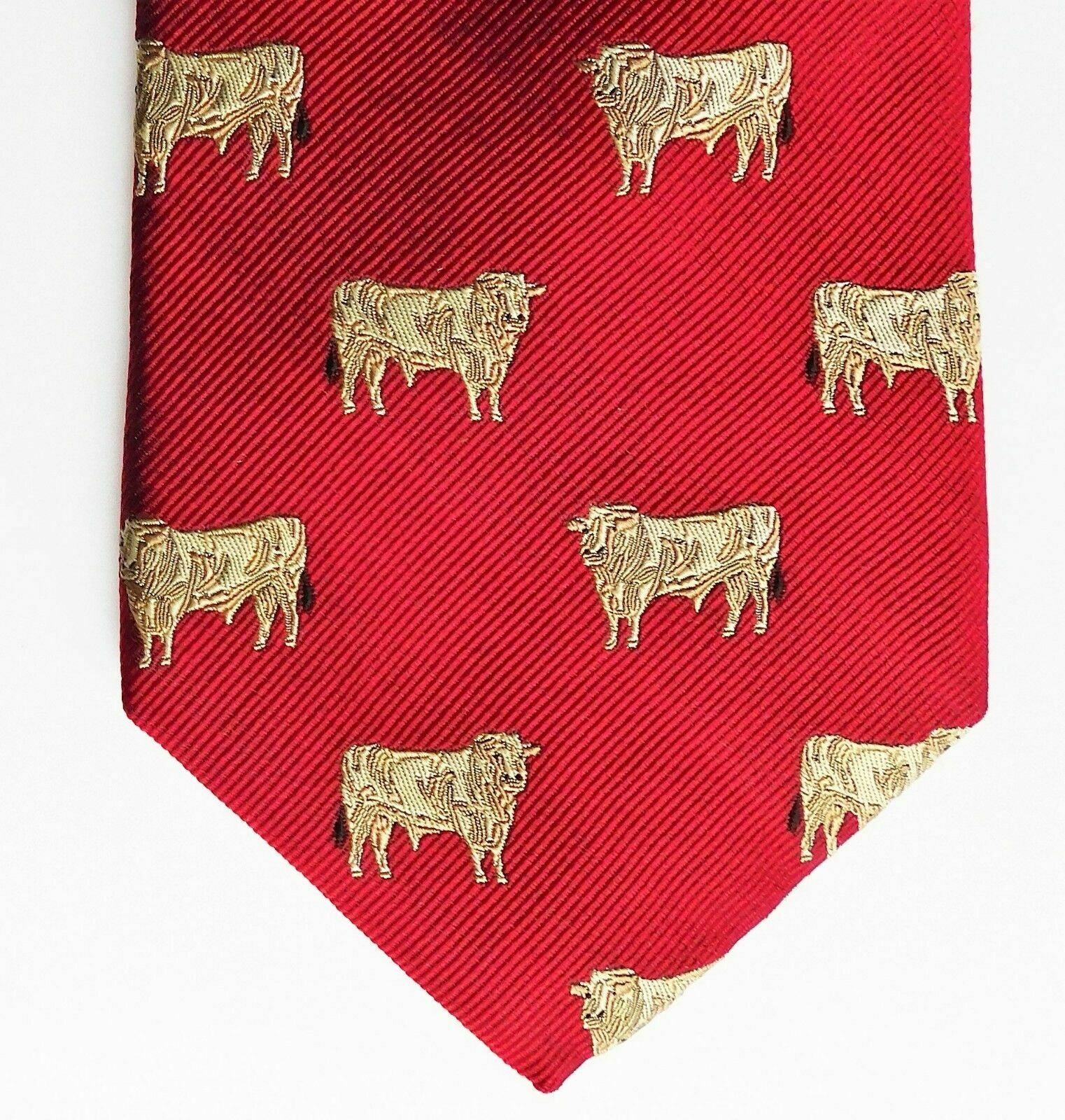 Silk tie with bull Cattle farming animal theme NEW Moodys classic mens wear RED