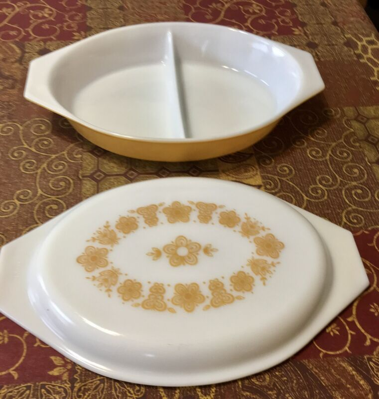 Pyrex 1 QT Split Oval Dish Yellow, White Milk Glass Lid, Yellow Flowers Vintage